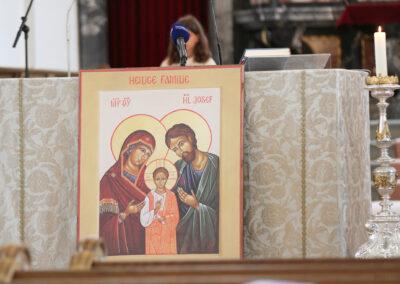 Das ist unsere Ikone der Heiligen Familie, die extra fürs Weltfamilientreffen erstellt worden ist. Sie wird uns die nächsten Treffen begleiten.